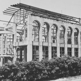 Construction of the Medical Library in the early 1950s